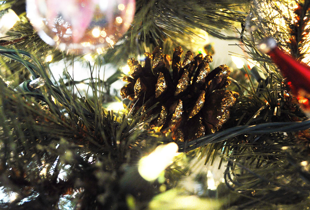 Pinecones in Christmas Tree